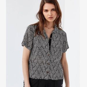 Urban Outfitters Cropped Button Down- Large